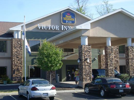 BEST WESTERN PLUS Victor Inn & Suites: Hotel entrance