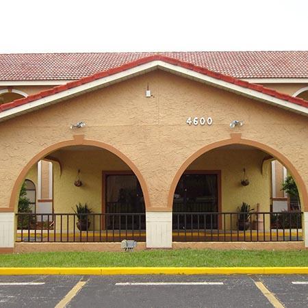Goldstar Inn & Suites