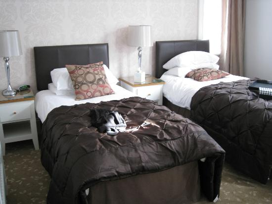 Amarillo: The twin beds.
