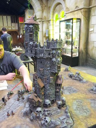 Games Workshop Warhammer World: Gaming table