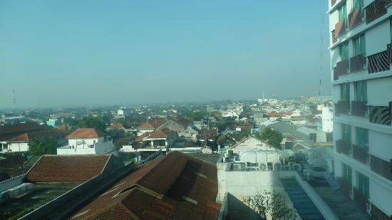 Grand Surya Hotel Kediri: View from the window of our hotelroom