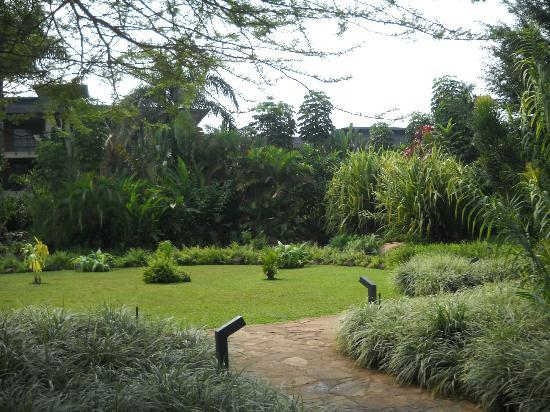 Munyonyo Commonwealth Resort: Gardens