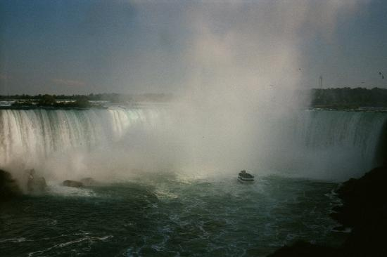 Harbour House Hotel: The Horseshoe Falls, Niagara