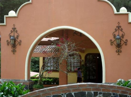 هوتل إلتوكانو ريزورت آند ثيرمال سبا: recepcion/entry 