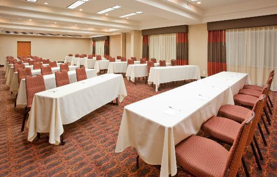 Hampton Inn Idaho Falls/Airport: Schedule your next meeting or special event with us.
