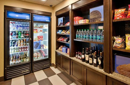 Hampton Inn Idaho Falls/Airport: Our convenient Pavilion Pantry Market is open 24 hours a day.