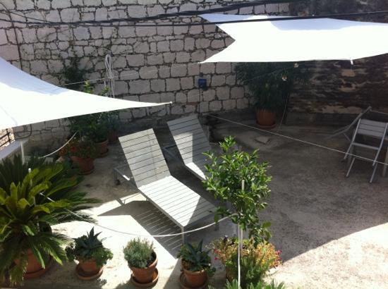 Divota Apartment Hotel: terrazza privata