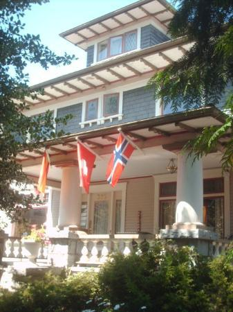 Windsor Guest House: In honour of the Olympics...we fly the flags of the world