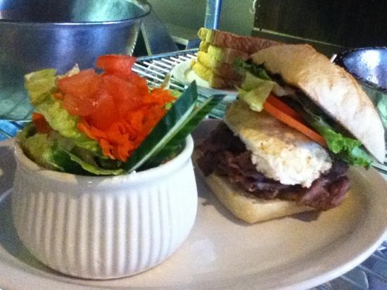 Bruno's Bar & Grill: ALBERTA Sandwich : Alberta Beef, lettuce, bacon, egg, ranch, tomato, avocado! yummmm daily speci