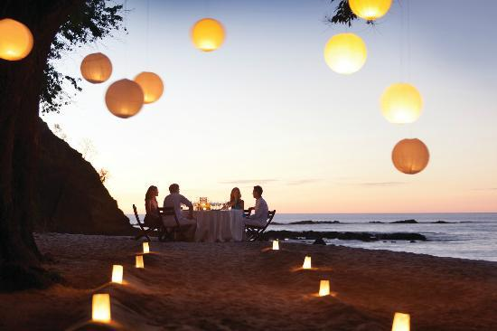 Four Seasons Resort Costa Rica at Peninsula Papagayo : Private beach dinner