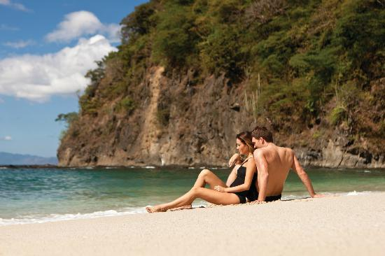 Four Seasons Resort Costa Rica at Peninsula Papagayo: Romance of Peninsula Papagayo with two golden sand beaches