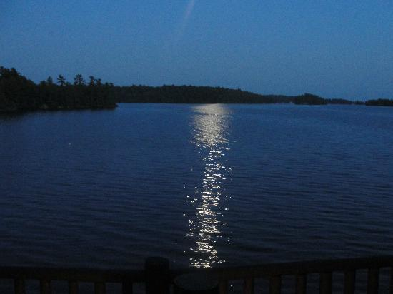 Severn Lodge: Moonlight over the Severn