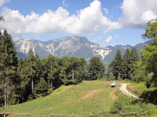 """Albergo Rifugio Valdagno : panorama delle """"Piccole Dolomiti"""""""