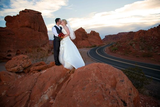 Scenic Las Vegas Weddings Chapel