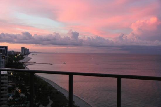 The St. Regis Bal Harbour Resort: Sunset from balcony