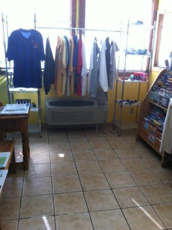 Caribbean Club Resort: Gift shop