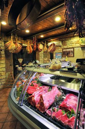 Nocera Superiore, Italy: uno scorcio della macelleria