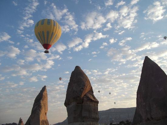 Reliable Travel: Balloon Ride over Cappadocia