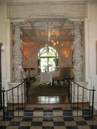 Rosewood Mansion on Turtle Creek: Hotel Restaurant Entrance Foyer