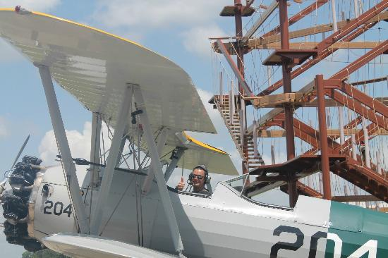 Fantasy of Flight: Pilotando um Stearman