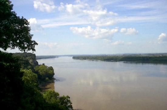 Cape Girardeau, MO : View of the Mississippi River at Trail of Tears State Park