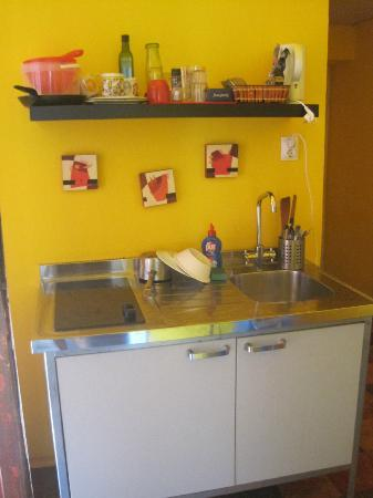 Santico Art Hostel and Guesthouse: Kitchenette outside of our room