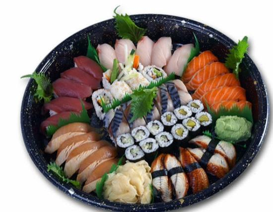 Shanghai Grill: Sushi Party Tray