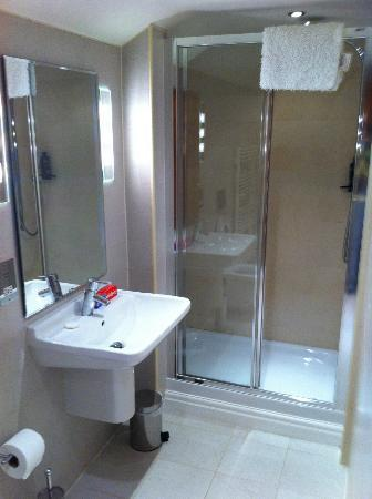 Windermere Marina Village: Bathroom