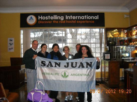 Youth Hostel - Hostelling Internatinal Lima - Peru: Junto a su dueña y empleados, un lujo...