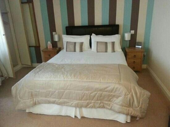 Briarfields : thought I'd share my photo of room 5 comfy bed hmmm lol