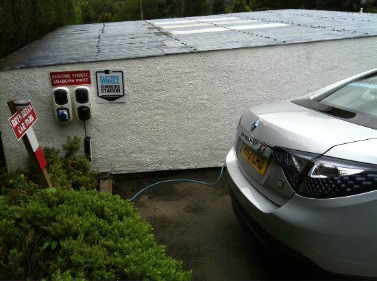 Bryn Bella Guest House: EV Charging Point in car park