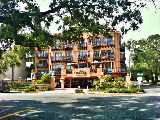 ‪أوشن إن آند سويتس: great views... great location and a great value for a boutique hotel