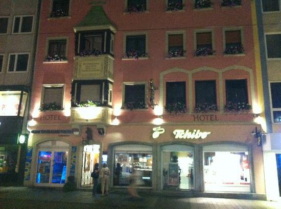 Hotel Zum Winzermännle: The front of the Hotel