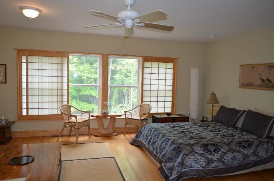 Pembroke Springs Retreat: Sunrise room, so nice