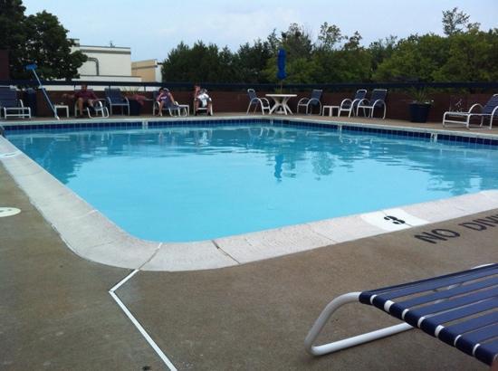 BEST WESTERN Potomac Mills: la piscine extérieur