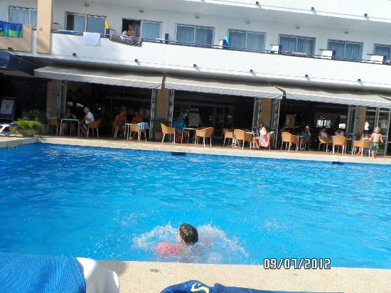 Hotel Mariant: pool Mariant