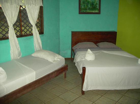 Cabinas El Icaco Tortuguero: Beds