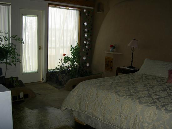 Earthship Biotecture: Main Bedroom