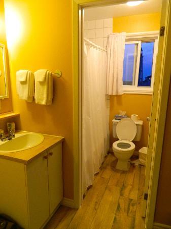 Motel Bienvenue : Bathroom