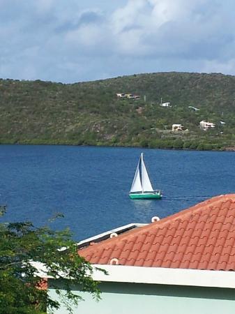 Sea Breeze Hotel: Una vista a la Bahia desde el cuarto