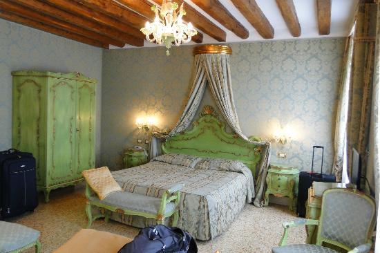 Hotel Ca' Dogaressa: cama de casa - suíte 1