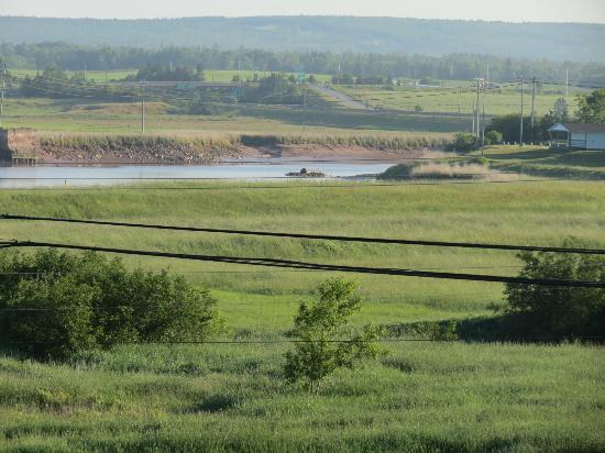 Tidal Bore Inn: View to Tidal Bore