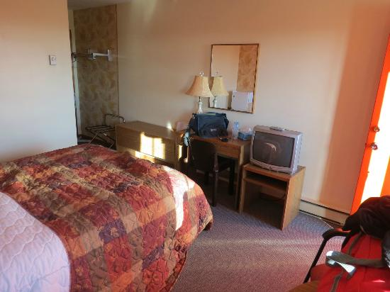 Tidal Bore Inn: Room