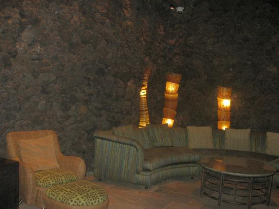 Mana Kai Maui: Lounge area in lobby