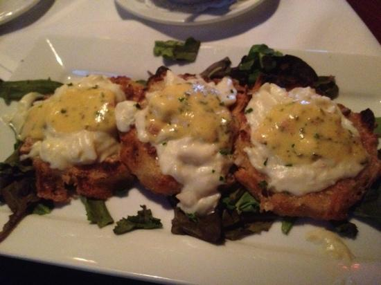Aspen Grille : Fried green tomatoes with crab meat on top