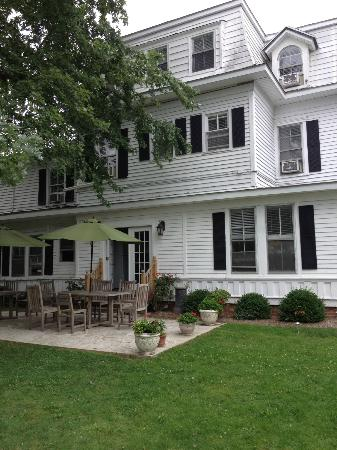 Grassmere Inn Bed and Breakfast: What A Charming Inn!
