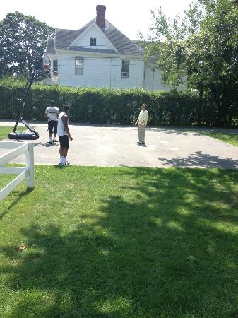 Grassmere Inn Bed and Breakfast: The Owner Even Played Basketball With Our Boys!