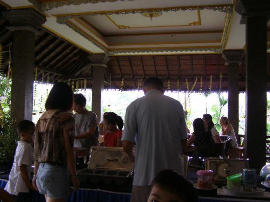 Cendana Resort and Spa: Breakfast buffet at Cendana