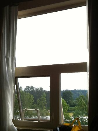 Holiday Inn Express Hotel & Suites Courtenay Comox Valley SW: window