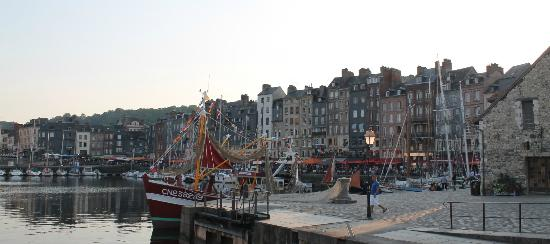 Hotel du Dauphin: Honfleur's beauty is unsurpassed